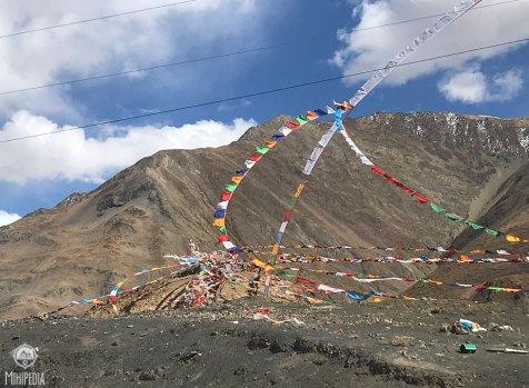 Similar-mountain-pass