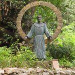 【アッシジ観光スポット】聖人フランチェスコの教会と祈りの場所「カルチェリ」