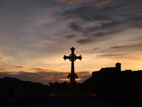 ルルド大聖堂。フランスルルド、朝の大聖堂