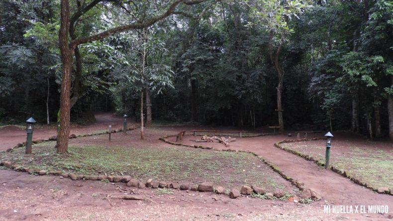 ALOJAMIENTO UGANDA (1)