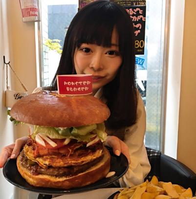 三年食太郎(松島萌子)wiki!職業は大食いYouTuber?経歴は?【今くら】