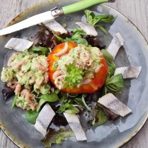 coeur de boeuf   garnaaltjes   avocado   haring   basilicum   jonge sla