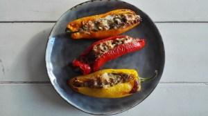 zoete paprika | ui | olijven | diverse tuinkruiden | pijnboompitten