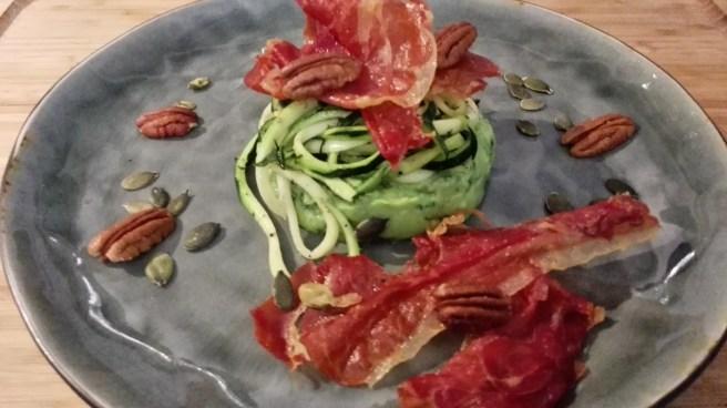 torentje van avocado, courgetti & Spaanse ham