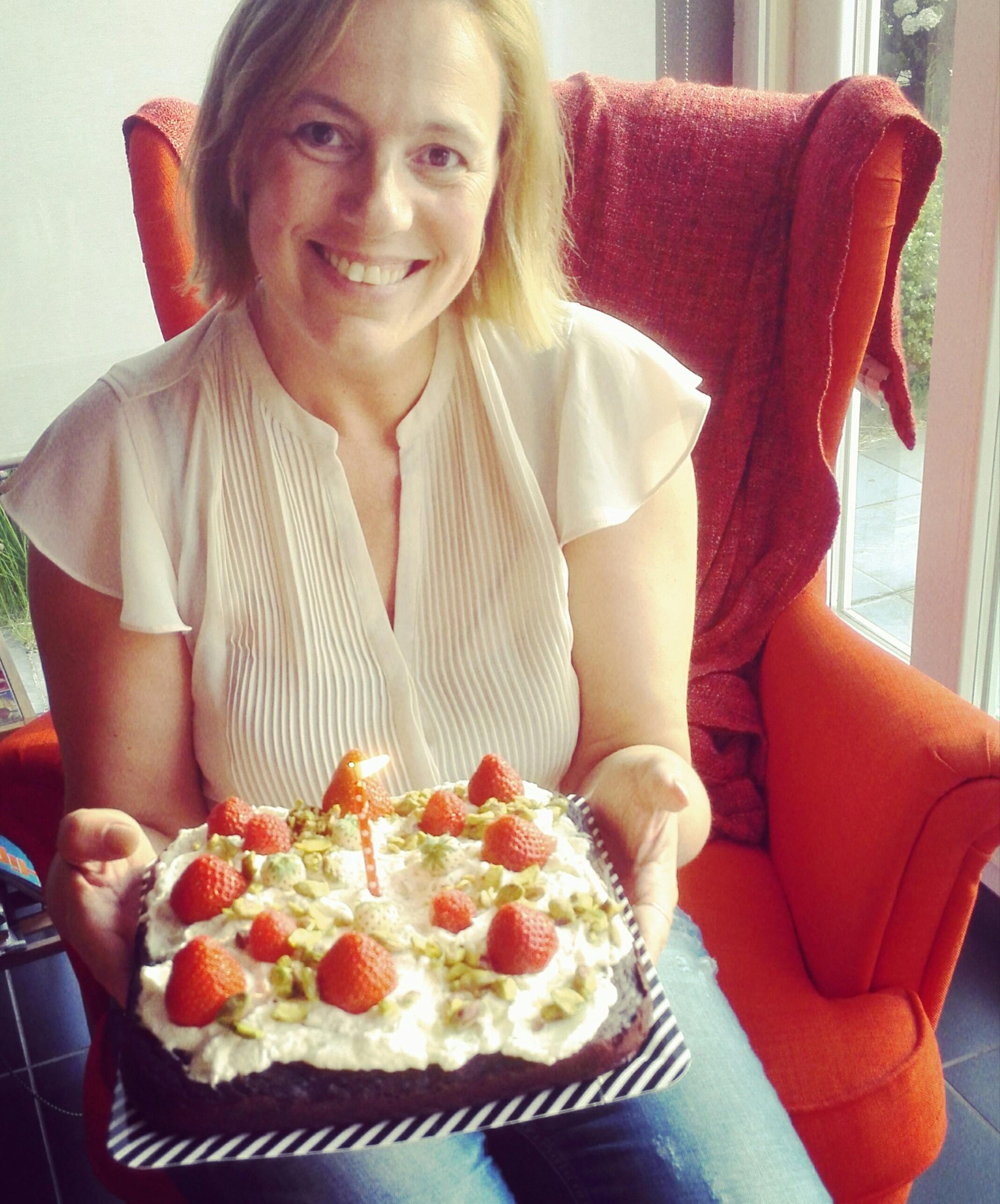 1 jaar feest en taart, ja, taart!