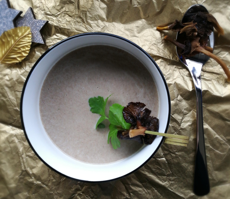 bospaddenstoelensoep met peterselie