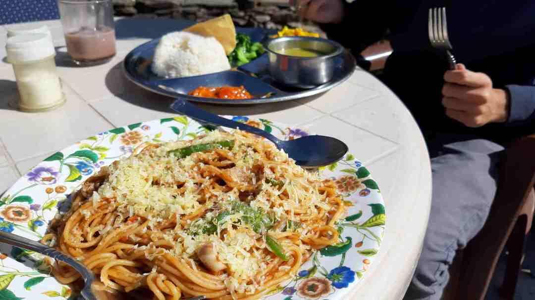 Pasta en dal bhat