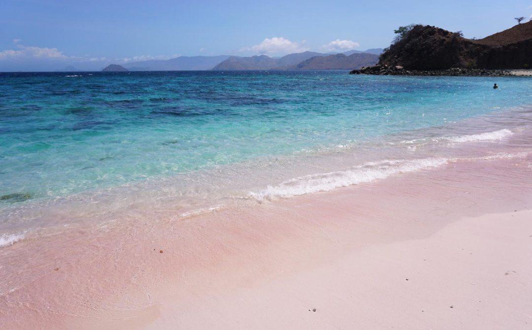 Pink-Beach-Komodo-National-Park