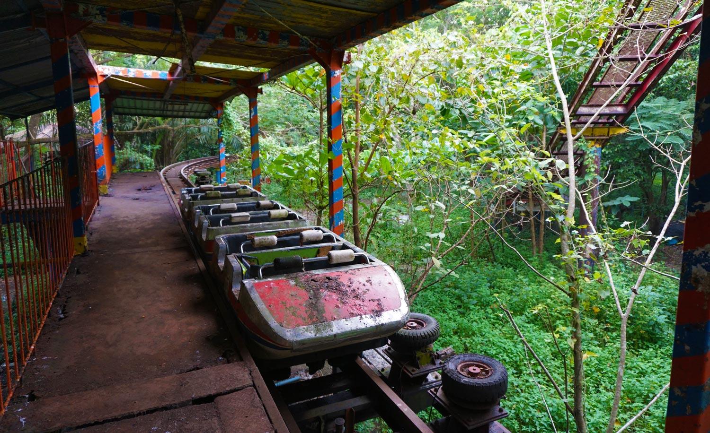 Verlaten pretpark Yangon abandoned amusement park