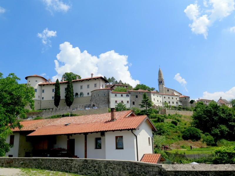 steendorp Stanjel in Slovenie