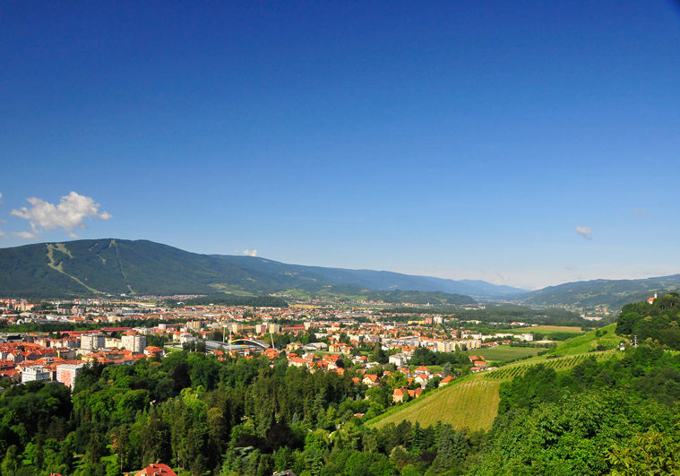 view to maribor and pohorje, bron Jurij Pivk, MijnSlovenie