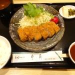 とんかつ武蔵で本格派カツとエビカツを食べよう!白ご飯とキャベツの無料おかわりも?