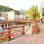 湯村温泉はかみの湯つぼで卵を作って食べたり足湯を楽しむことができる名所!