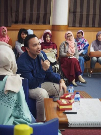 Mr. Riel Tasmaya from Muslimarket.com. -Moeslema.com-