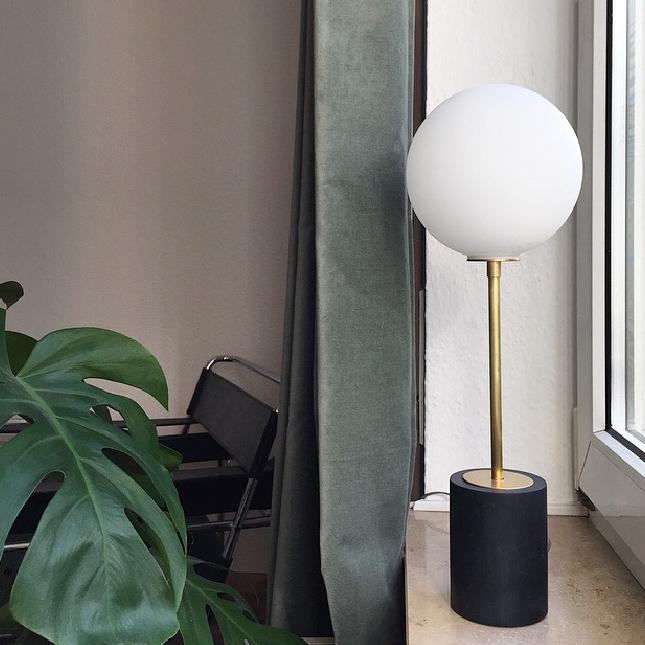 AC Globe Lamp ZWEI Design