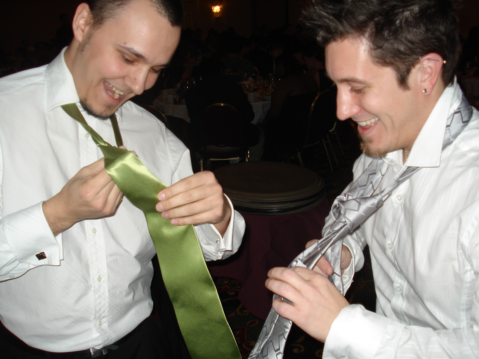How many sofware engineers does it take to tie a windsor knot?