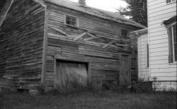 This is an abandoned barn I pass sometimes on my way home.