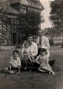Martin, Edgar, Mum, Dad and Margaret, 1947