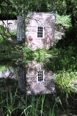 Reflections of a summer house [14].