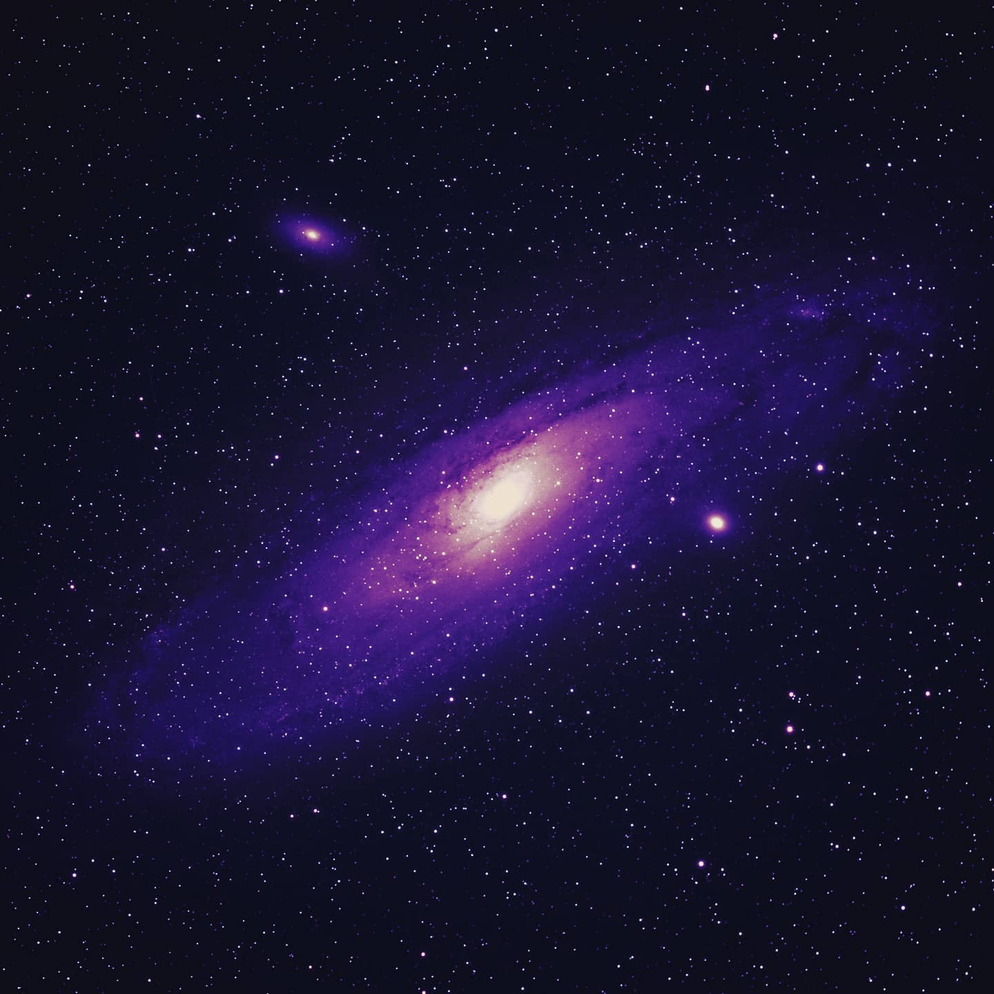Andromeda (M31) taken last night. Stacked 15x5min exposures at iso800, tracked and using a SkyWatcher Esprit 100 telescope. #andromedagalaxy