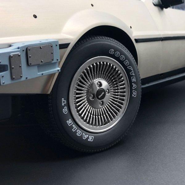 Tyre Transfer mod on 1:8 DeLorean model front wheel