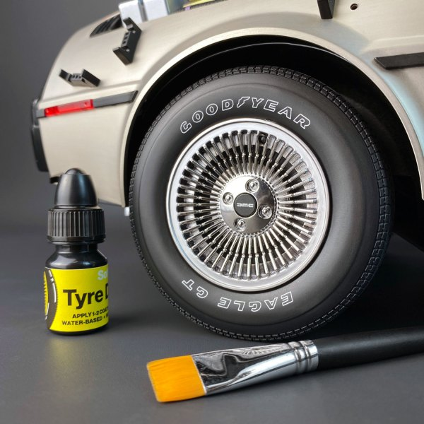 DeLorean model wheel with Tyre Dressing mod from Mike Lane