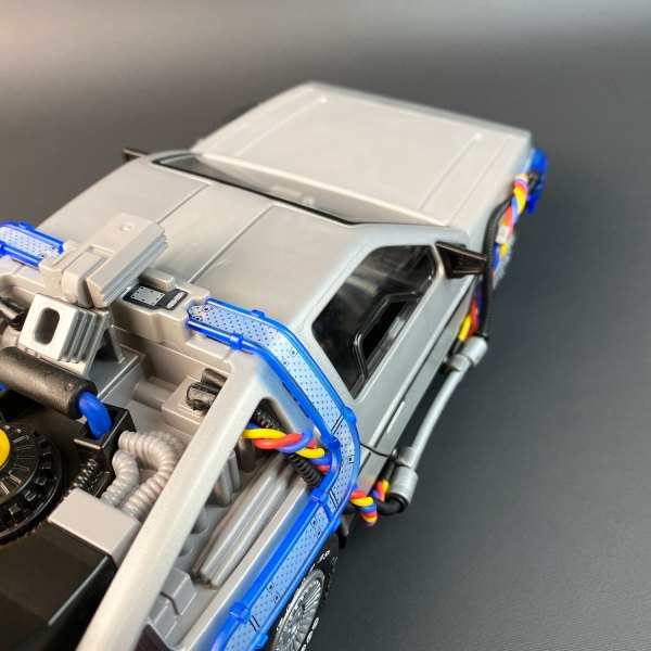 Flux Wires mod for Playmobil DeLorean