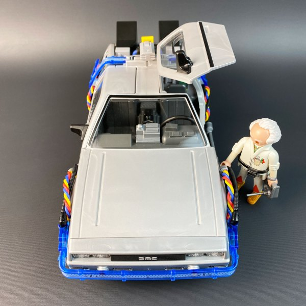 Model Playmobil DeLorean with flux wires and Doc model