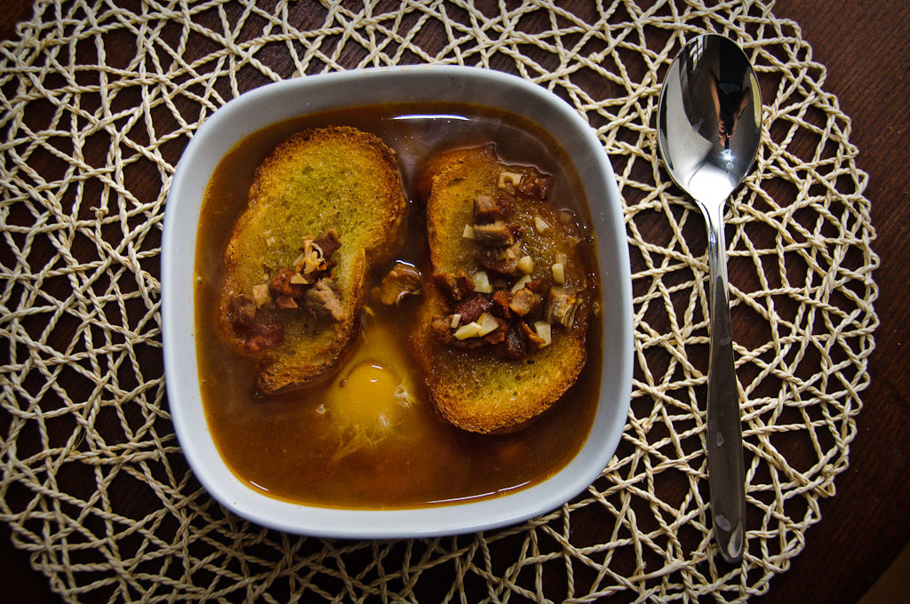 Gotowa zupa czosnkowa