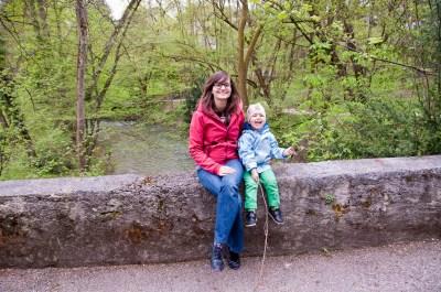 Mary z Frankiem w leśnym parku