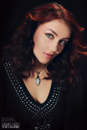 Anna Rizzo as Ginger