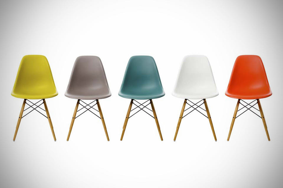 Charles Eames DSW Chair - MIKESHOUTS