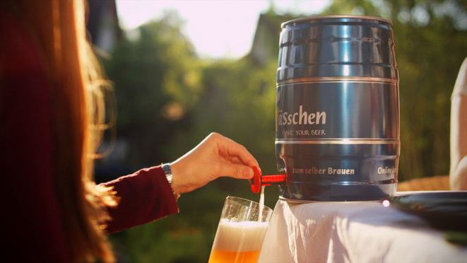 Brewbarrel Beer Brewing Kit