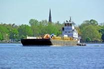 Delaware-River-Burlington-tugboat-Penrose-s