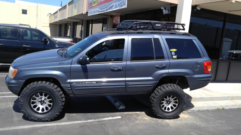 "2000 Jeep Grand Cherokee- Installed 3"" Zone Off Road Lift,17X9 Fuel Vector Rims w/33X12/50 R17 Nitto Mud Grapler Tires w Go Rhino Roof Rack"