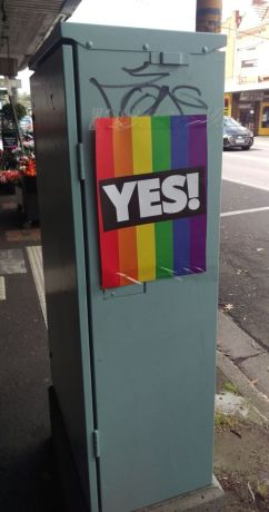 Yes poster in High St Ashburton