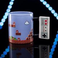 大胆なデザイン!NESコントローラー&スーパーマリオブラザーズのマグカップ