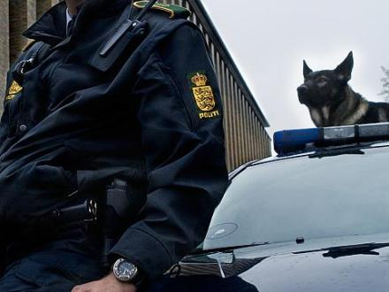 Policeman Peter and policedog Kenzo