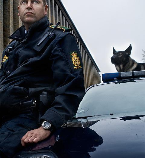 Policeman Peter and policedog Kenzo