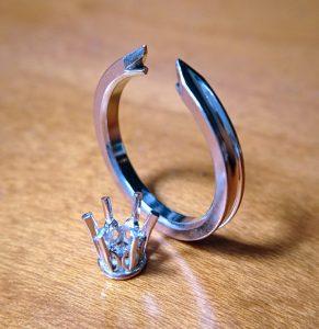 ソリテールの婚約指輪