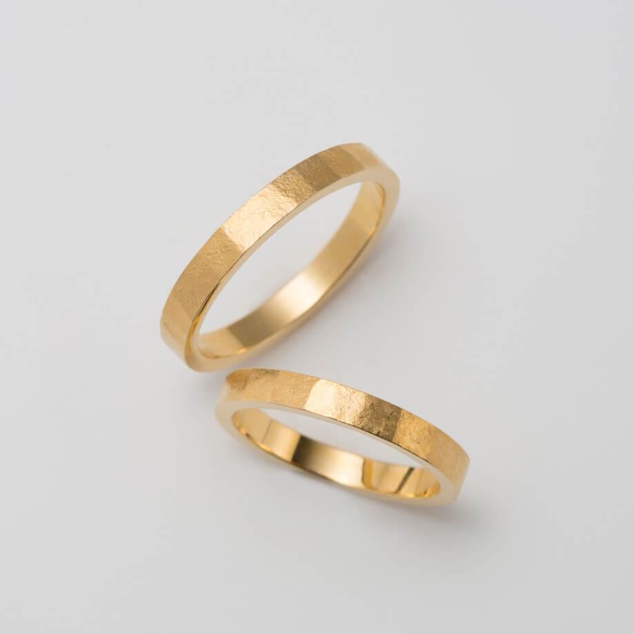 錆加工のゴールドの結婚指輪