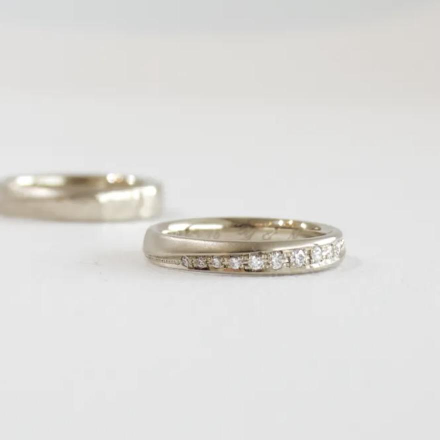 メレダイヤをあしらった結婚指輪