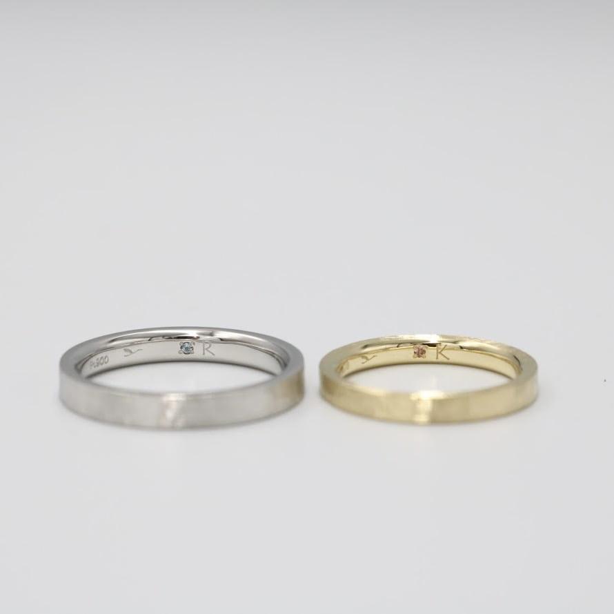 シークレットストーンをあしらった結婚指輪