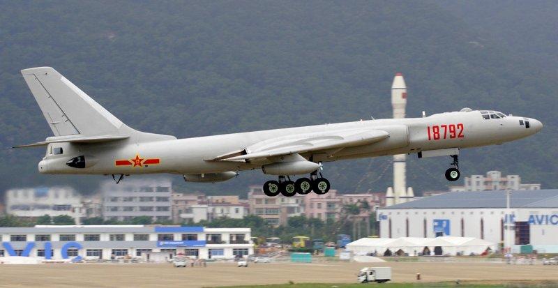 Бомбардувальники Китаю у бойовій готовності через загрозу КНДР