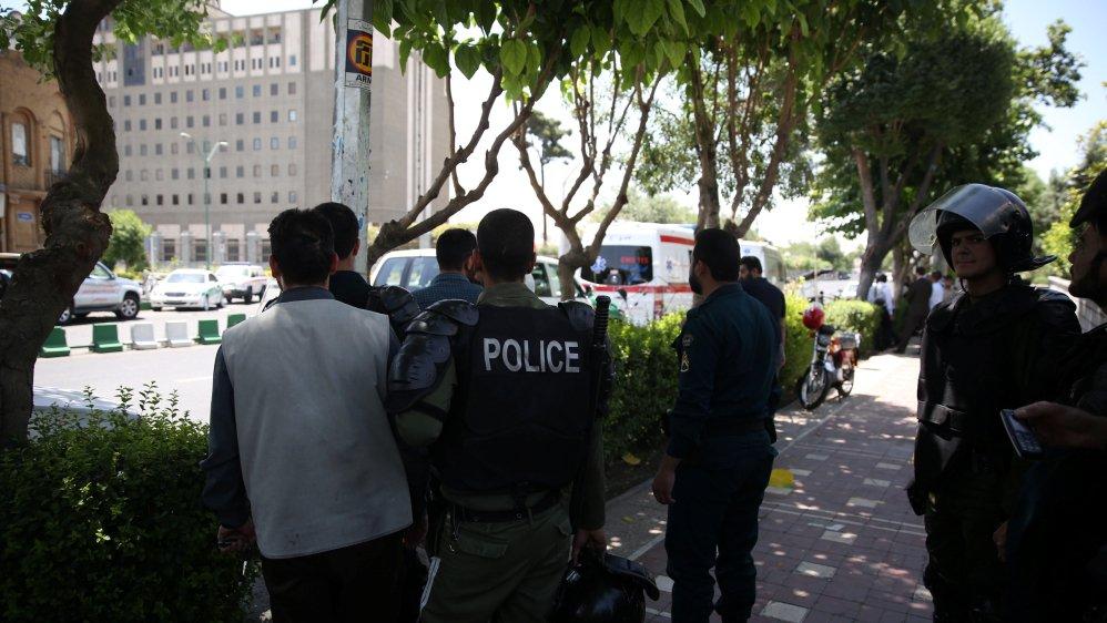 В Ірані терористи атакували парламент і мавзолей