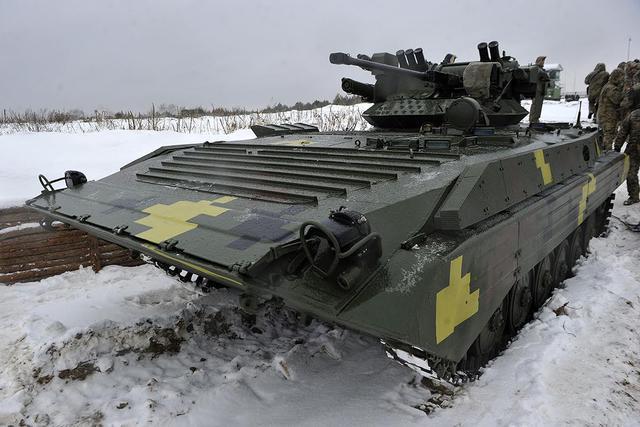 """Польська компанія """"PCO S.A."""" постачатиме оптичні прилади для бронетехніки Збройних Сил"""