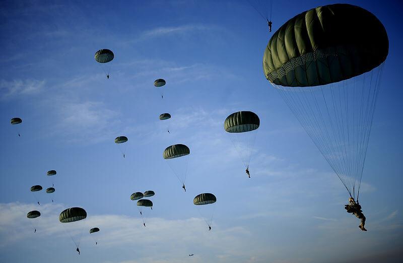 Під час навчань у Румунії травмовано 12 американських військових