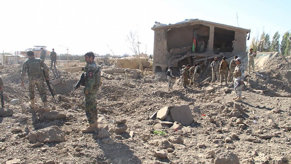 В Афганістані в наслідок атаки талібів смертників загинуло понад 40 місцевих військових