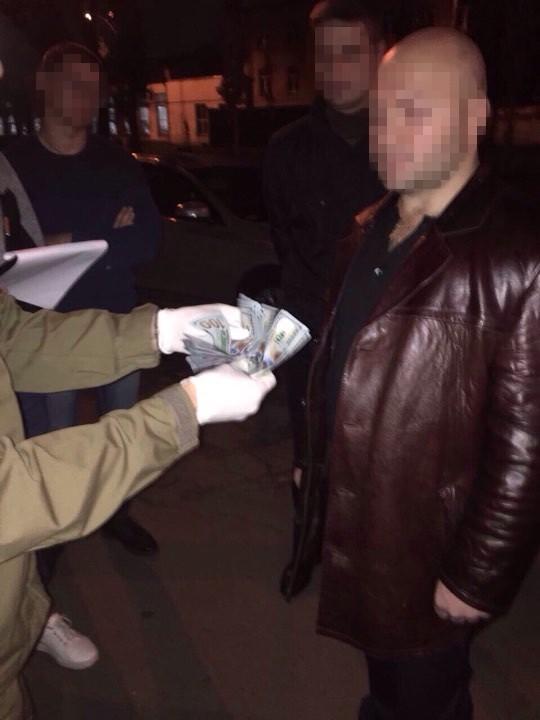 СБУ затримала на хабарі посадовця ЗС України