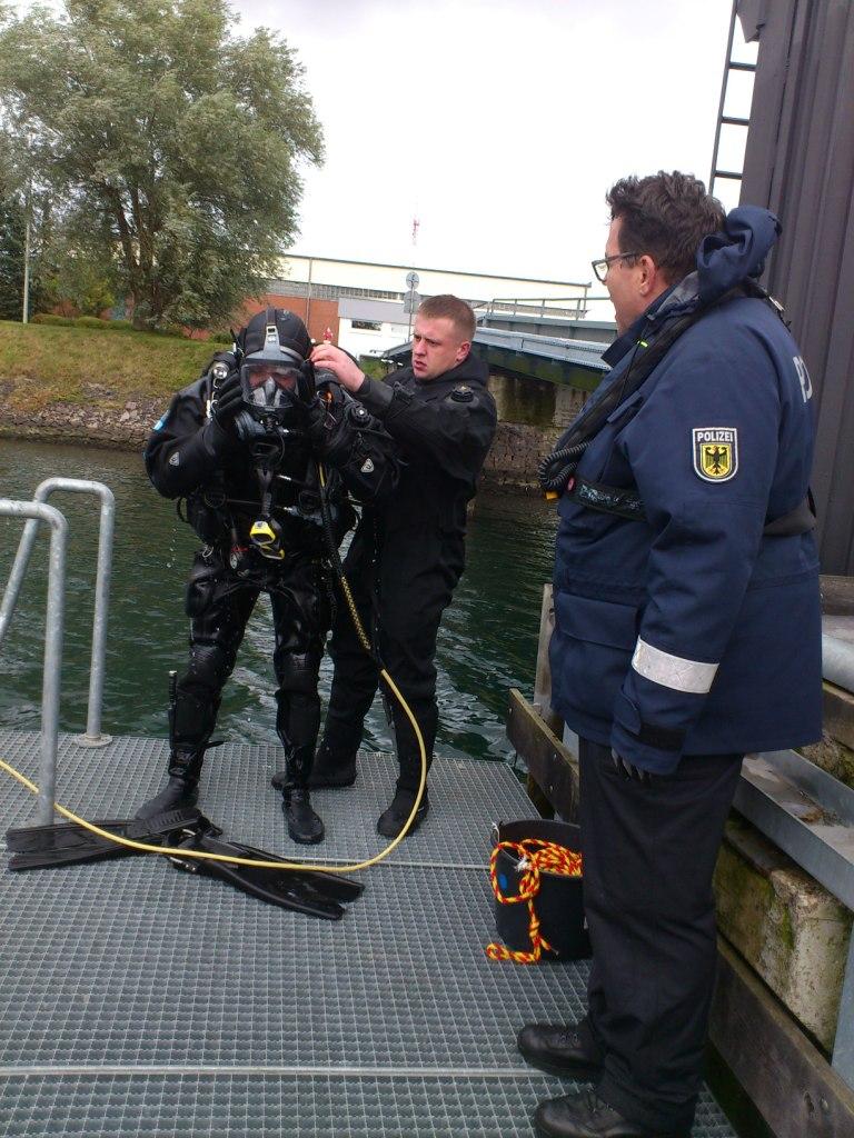 Відбувся перший водолазний навчальний курс прикордонників в Академії Федеральної поліції Німеччини.